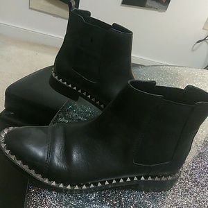 🎉New Listing🎉Zara | Leather Studded Ankle Boot
